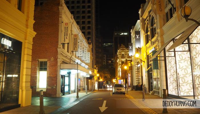 hay street muray street - Traveling ke Perth, Enak Pakai Mobil atau Transportasi Umum?