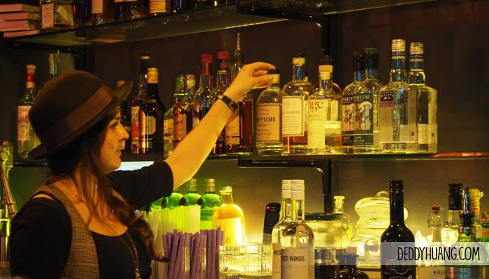 halford bar perth cbd martini - 9 Tempat Traveling Seru Musim Panas Sambil Kuliner Enak di Perth