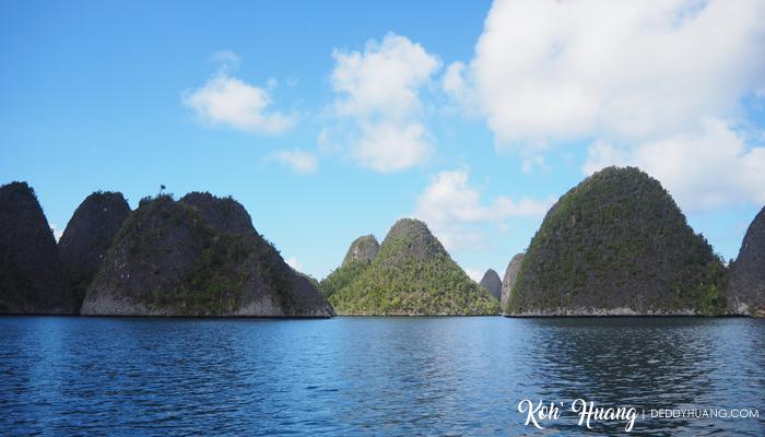 gugusan wayag - Jelajah Raja Ampat: Puncak Wayag, Ikon Raja Ampat (Bagian 2)