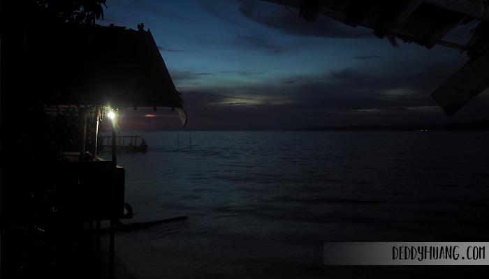 senja di raja ampat1 - Jelajah Raja Ampat: Pulau Mansuar, Surga Wisata Bahari Indonesia Mendunia (Bagian 1)