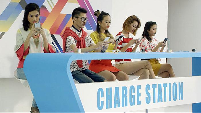 """charger station - 7 Februari 2017, ASUS Hadirkan Smartphone """"GaAdaMatinya"""""""