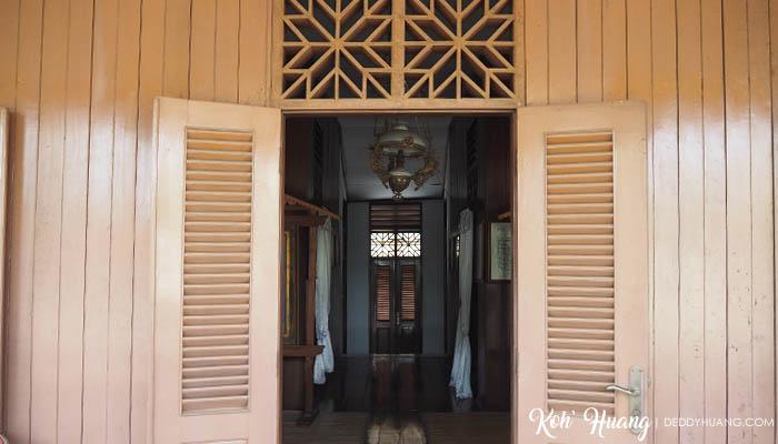 pintu-depan-rumah-bung-karno-2