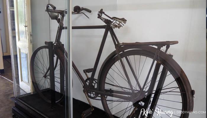 Sepeda tua yang digunakan oleh Bung Karno