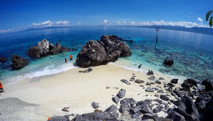 pulau failonga - Visit Tidore Island - Merekam Jejak Wisata Pulau Rempah
