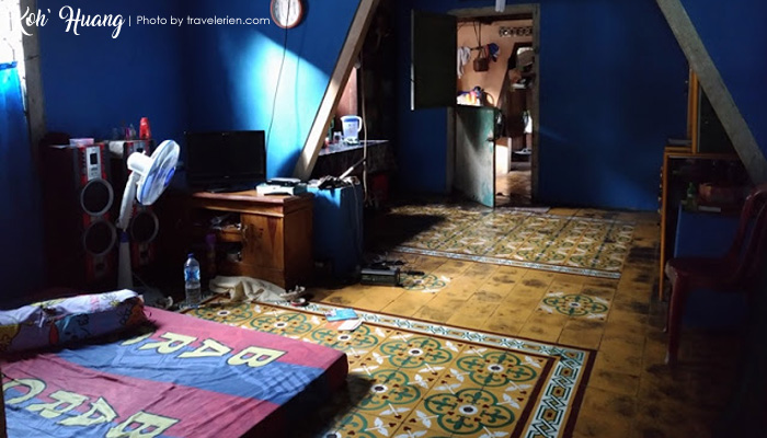 foto ruang tamu bang jon - Jelajah Pesona Pulau Pisang : Bertemu Teman Baru (Bagian 2)