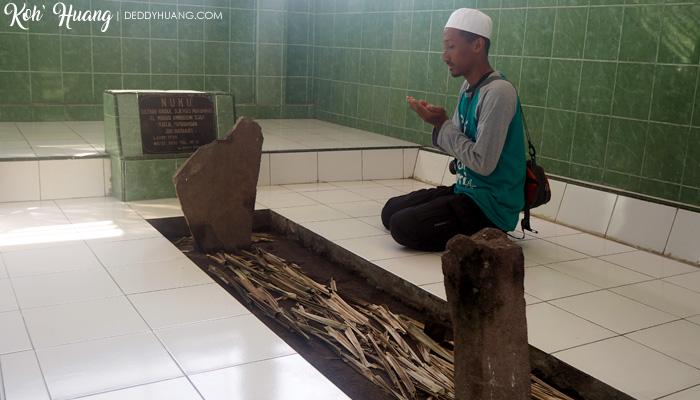 makan sultan nuku - Tidore Tempo Dulu, Sekarang dan Masa Depan
