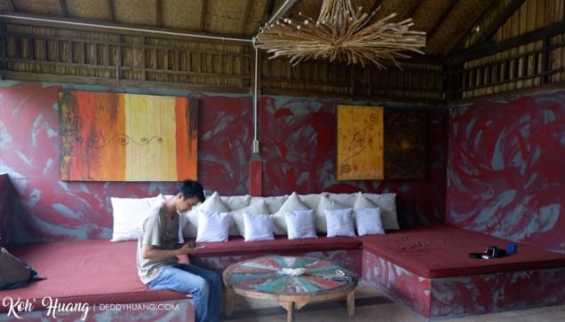 ruang santai - Akomodasi Strategis di Krui, Pesisir Barat Lampung