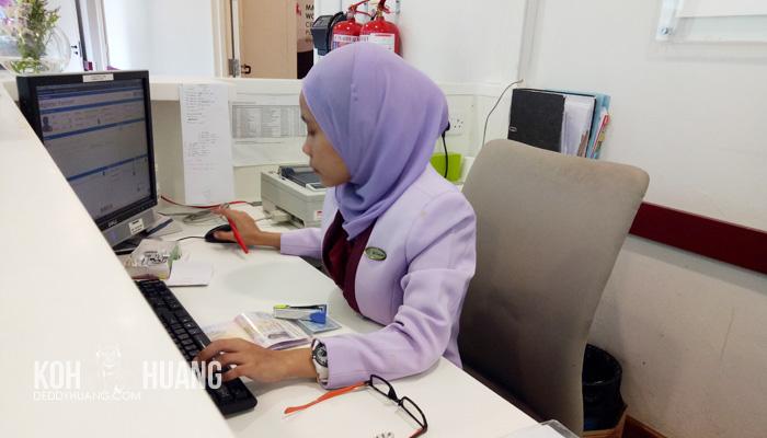 meja registrasi - Panduan Berobat ke Melaka : Mahkota Medical Centre