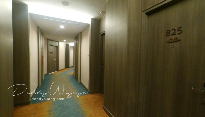 lorong kamar hotel santika - Pelesiran Menikmati Kawasan BSD City