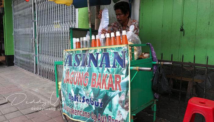 asinan jagung bakar - 10 Kuliner Bogor yang Bisa Kamu Icip Dalam Sehari