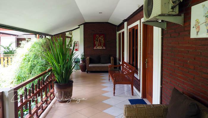 teras kamar - Antara Solo dan Yogjakarta Kita Jatuh Cinta #JadiBisa