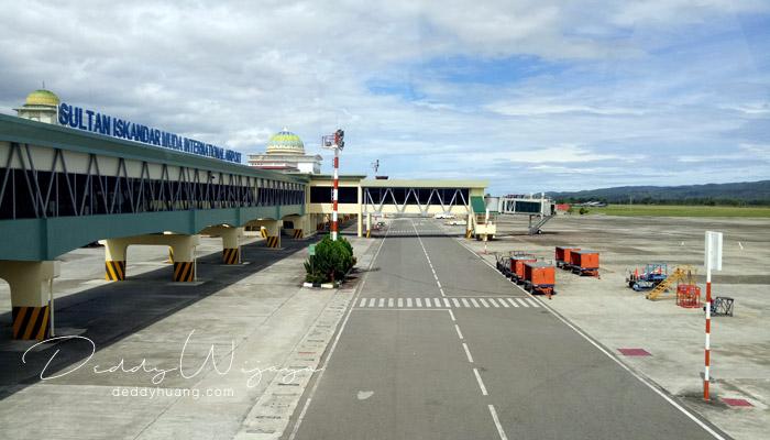 bandara sultan iskandar muda - Mengejar Mimpi Jelajahi Tanah Rencong