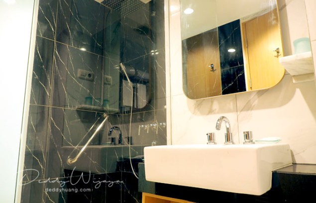 hotel santika premiere ambon 04 - Solo Traveling Modal 150 Ribu Bisa Puas Keliling Kota Ambon