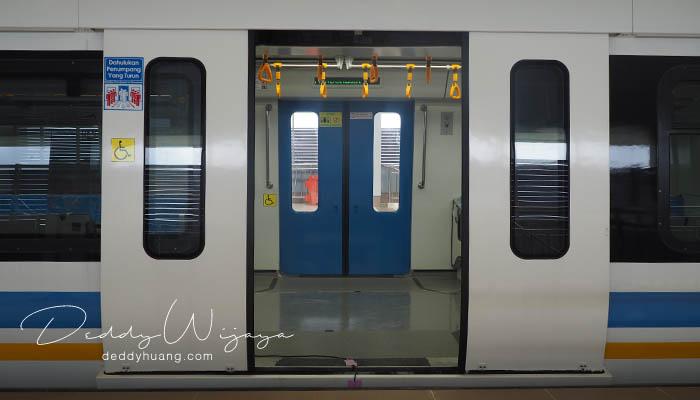 lrt palembang 05 - Pengalaman Naik LRT Palembang Pertama Kali!