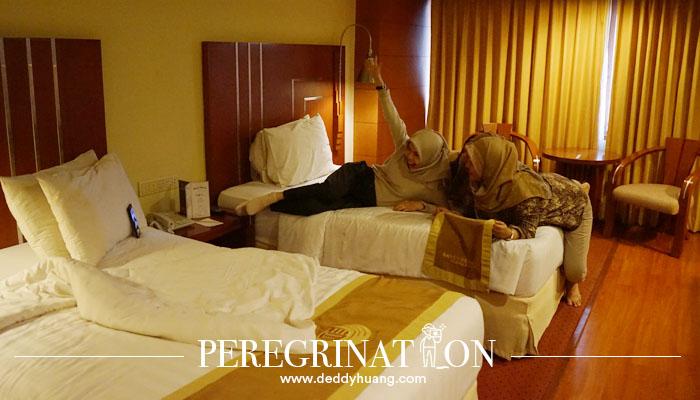 foto kamar hotel savoy homann