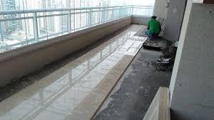 colocação de piso