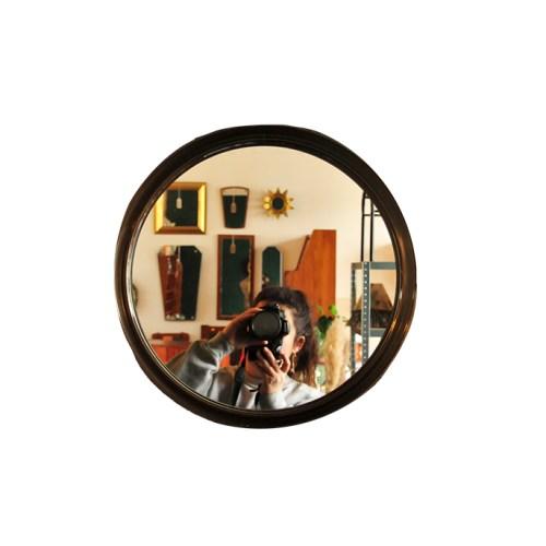 ronde spiegel bruin plastic