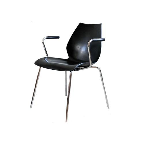 set 2 Kartell design stoelen