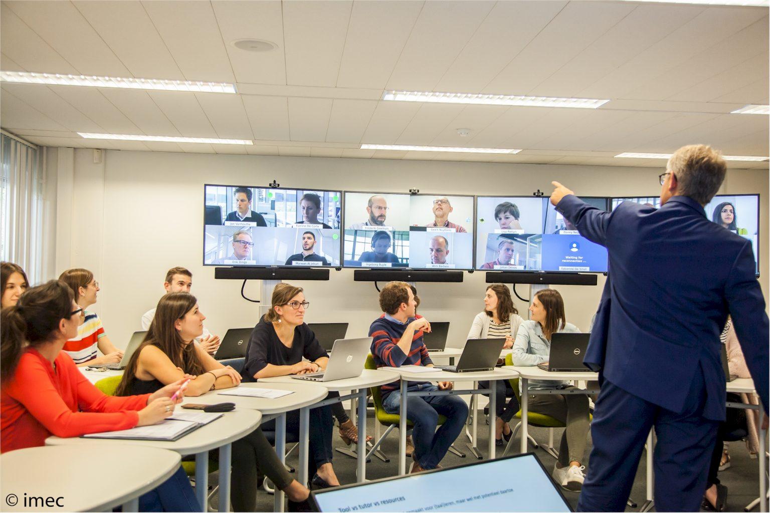Menyiapkan Pembelajaran Hybrid sebagai Solusi (Seri 1 Hybrid Learning)