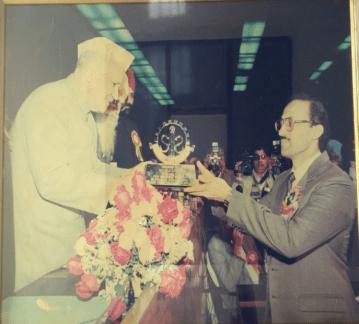 DAVID J LOBO WITH VP - SHANKAR DAYAL SHARMA 1990 APRIL