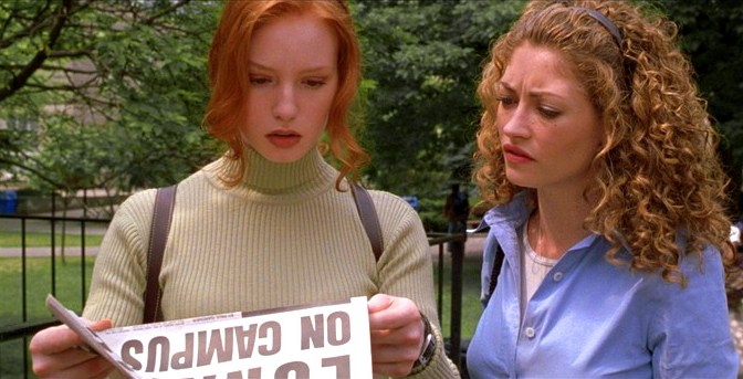 Alicia Witt and Rebecca Gayheart in Urban Legend