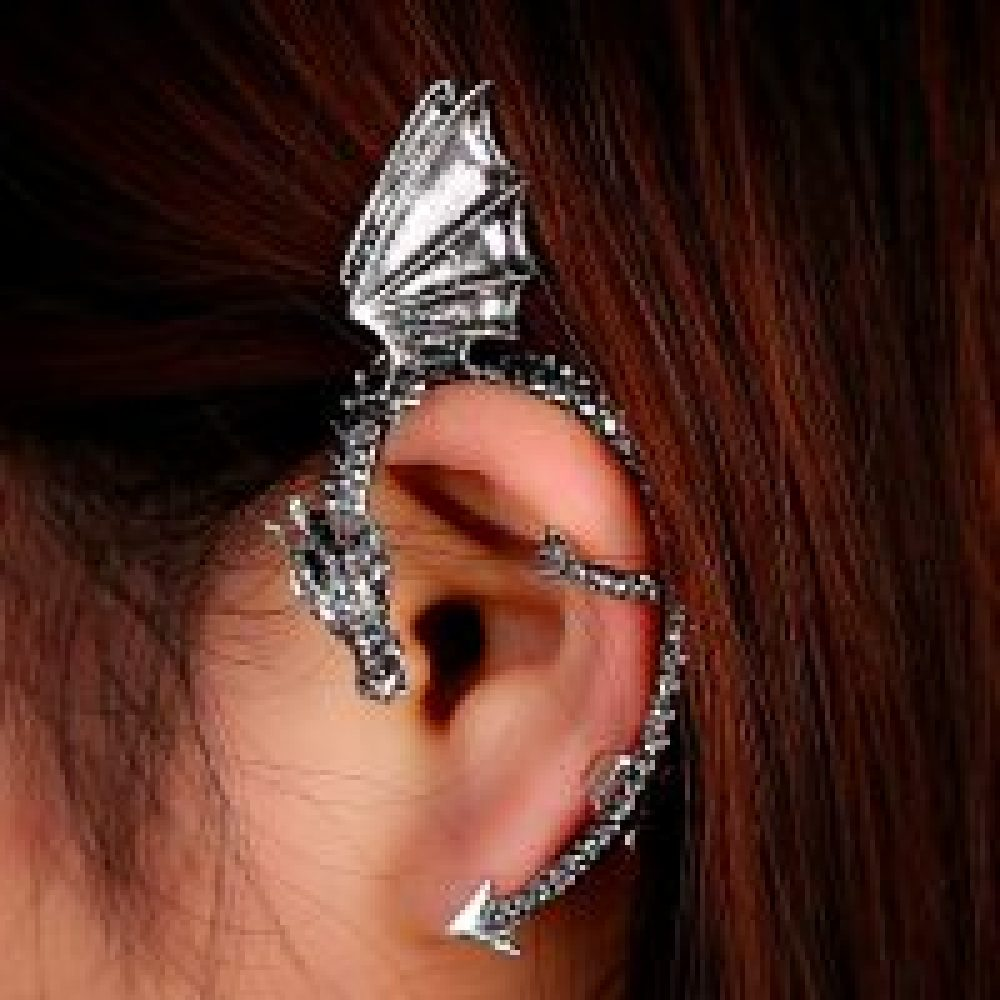 Dragon-shaped ear cuff