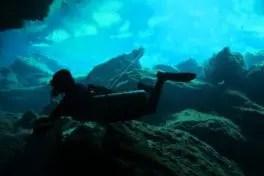 Entrainement de plongée souterraine