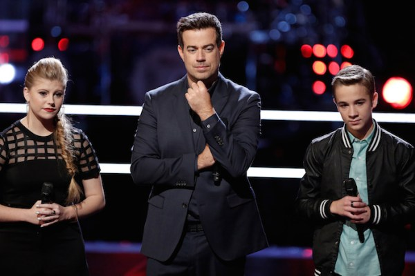 """THE VOICE -- """"Knockout Rounds"""" Episode 710 -- Pictured: (l-r) Jessie Pitts, Carson Daly, Tanner Linford -- (Photo by: Tyler Golden/NBC)"""