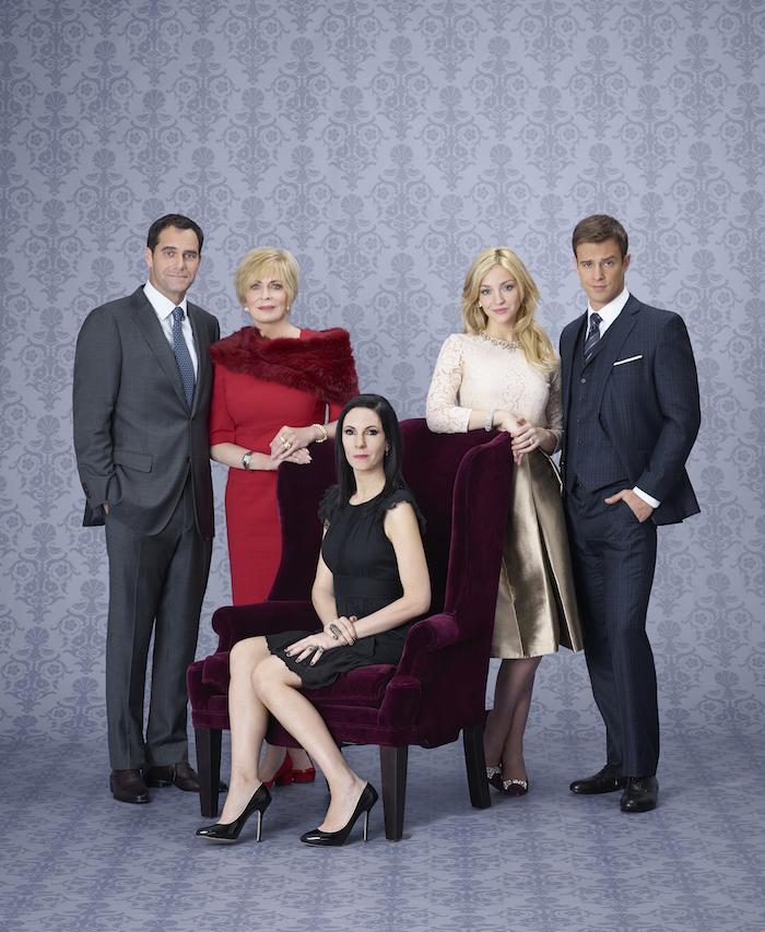 ODD MOM OUT -- Season:1 -- Andy Buckley as Andy, Joanna Cassidy as Candace, Jill Kargman as Jill, Abby Elliott as Brooke, Sean Kleier as Lex -- (Photo by: Matt Hoyle/Bravo)