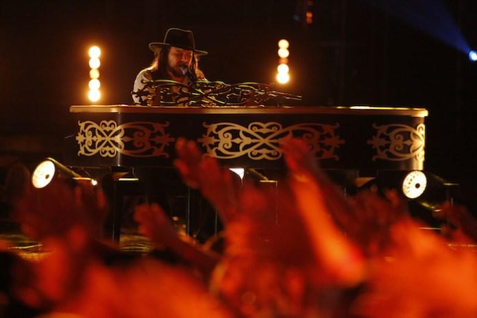"""THE VOICE -- """"Live Semi Finals"""" Pictured: Adam Wakefield -- (Photo by: Trae Patton/NBC)"""