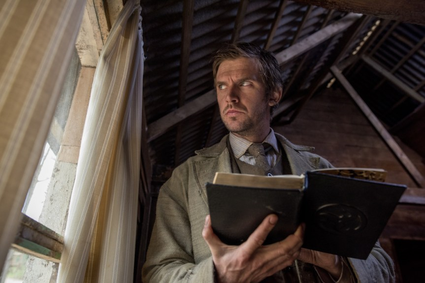 'Apostle' Review: Something Awesome This Way Comes