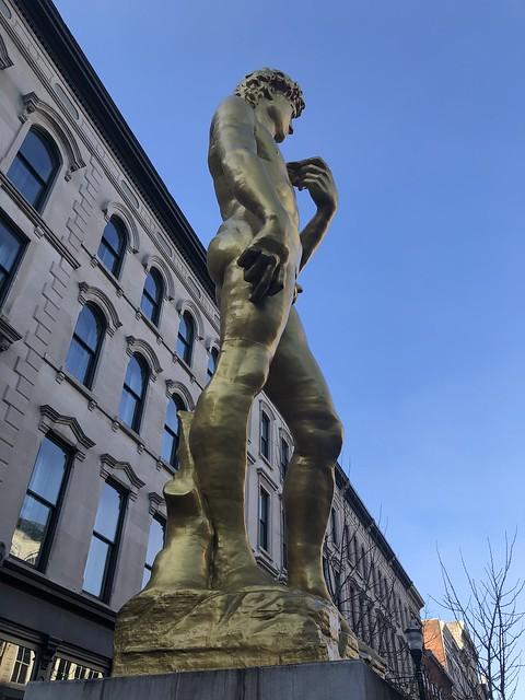 Serkan Özkaya, David sculpture