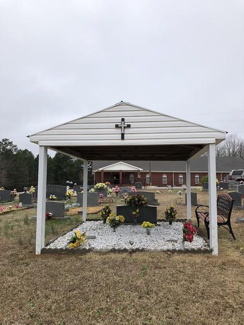 Graveshelter, Oak Grove Cemetery, Waterloo AL