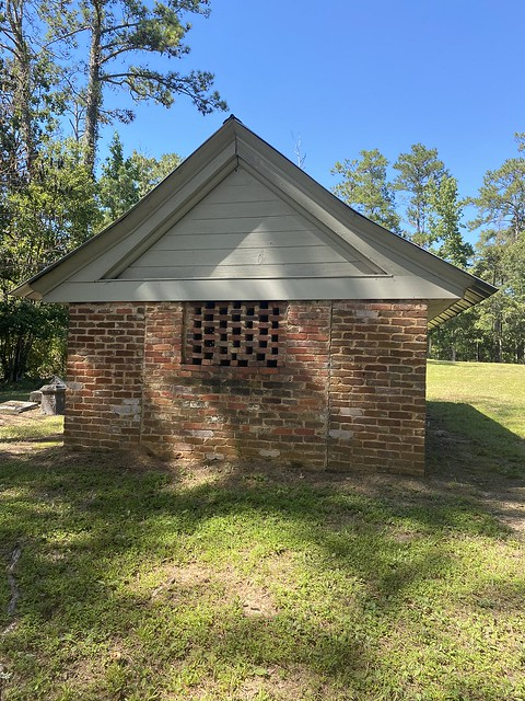 Airmount Grave Shelter, Thomasville AL