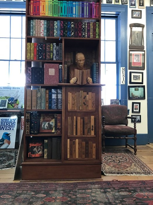 Floyd Shaman sculpture at Square Books, Oxford MS