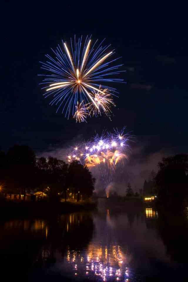 Capture fireworks