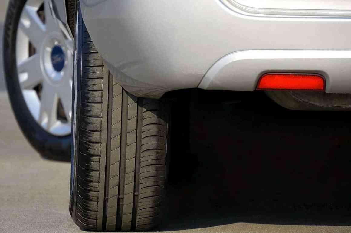 Rotate car tyres