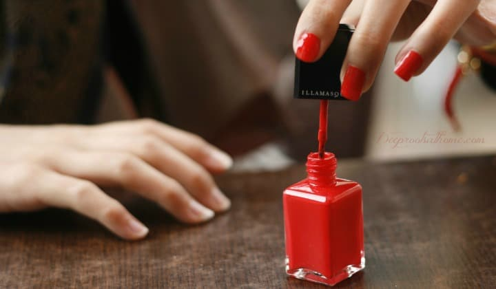 9 Less-Toxic & Non-Toxic Nail Polish Brands, shiny new colors, toxic nail polish, brands, colorful bottles, chemicals, TPHP, triphenyl phosphate, plastic hardener, fire retardant, endocrine disrupter, hormones, Environmental Working Group, Skin Deep database,OPI,Essie,Wet N Wild,Orly,SpaRitual,Nuance by Salma Hayek,Maybelline,Beauty Without Cruelty,Sallie Hansen,Revlon.butter LONDON, toxic trio, formaldehyde, teratogenic, birth defects, toluene, dibutyl phthalate, miscarriage,Sation, Dare to Wear, Chelsea, New York Summer, Paris Spicy, Sunshine, Cacie, Golden Girl,headaches, dizziness, nausea, loss of short-term memory, 3-free, 5-free, camphor, ingredients, Piggy Paint, Zoya, Scotch Naturals, Honeybee Gardens, high odor, low odor,petroleum byproducts, Priti NYC, LVX, Ella + Mila, RGB, Suncoat, nail polish remover, safer, safe, new colors,