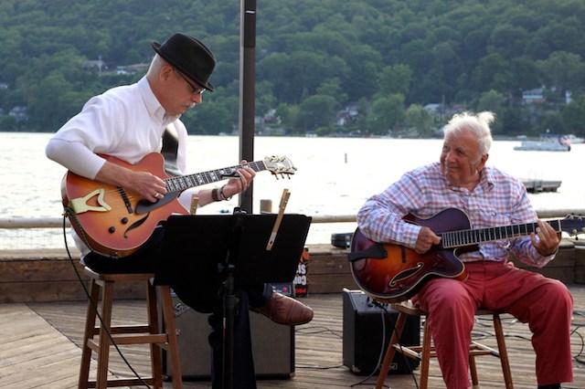 Larry Newcomb (left) and Bucky Pizzarelli: a certain swinging je ne sais quoi enlivens the festivities… (Photo: Patty Kaminsky)