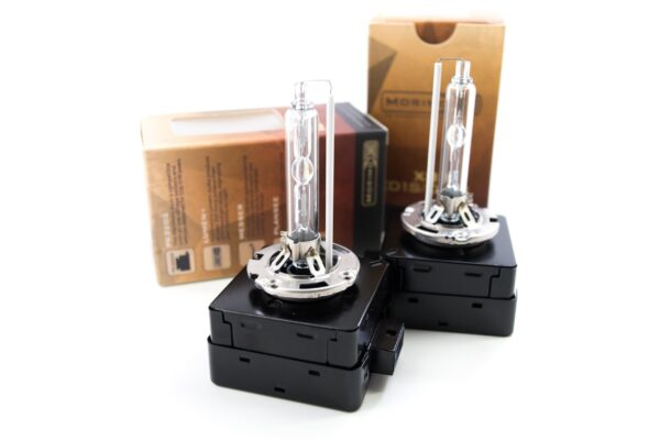 D1S Bulbs for Kenworth T680