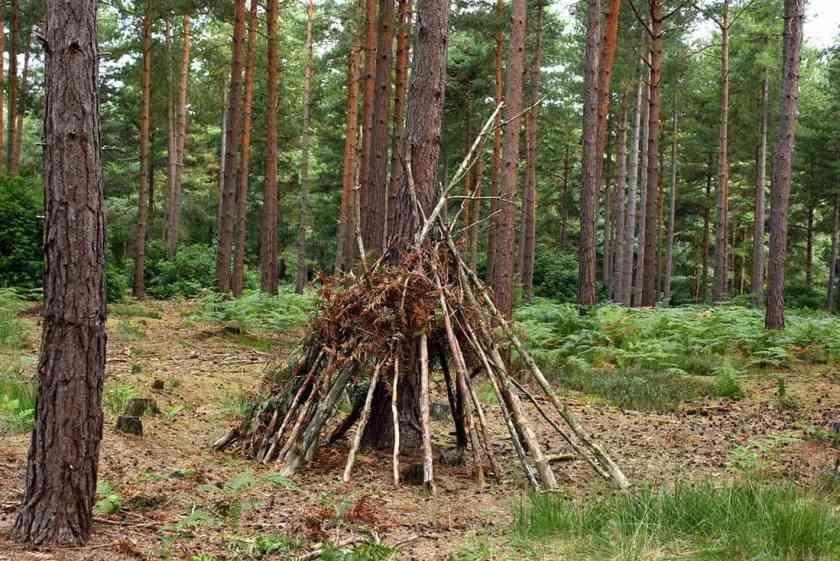 survival-shelter-fireplace