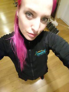 bei der Arbeit im Fitnesstreff für Frauen