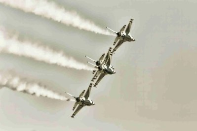Air Force Thunderbirds Preparing to Bank
