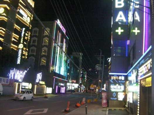 東大邱駅の北側はモーテル街だった。