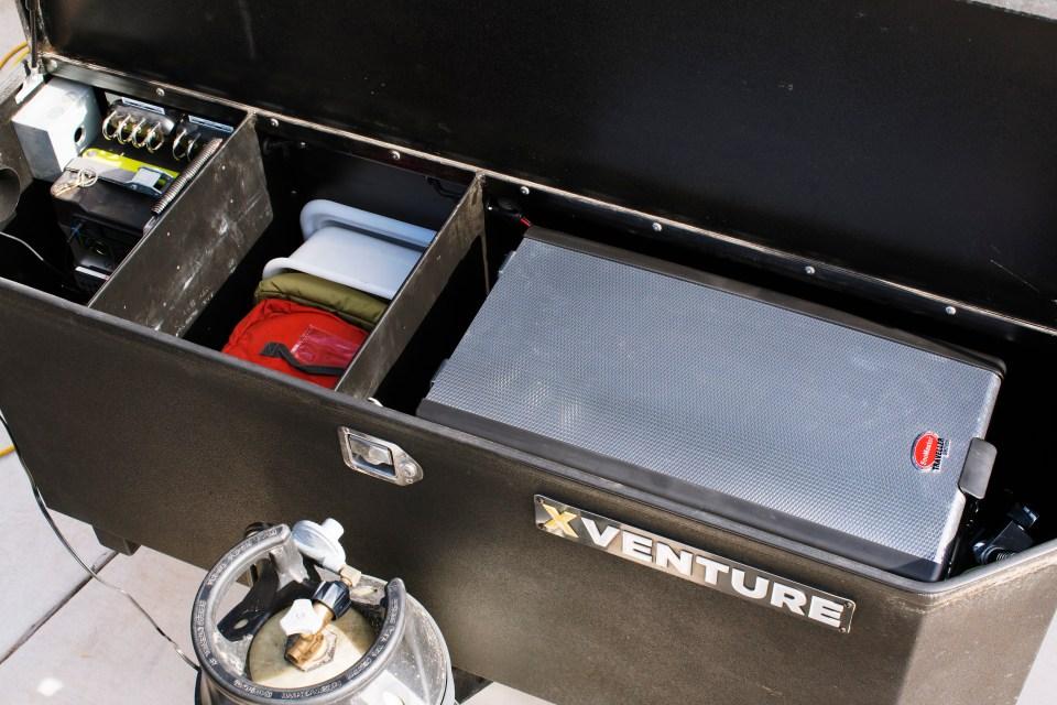 xventure offroad trailer snomaster fridge