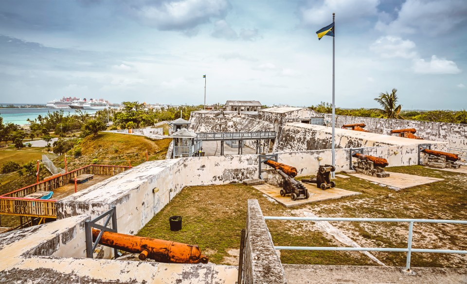 Bahamas. Atlantis Resort. Family Vacation. Fort Charlotte.