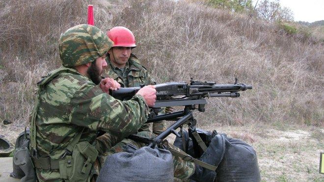 Κατά τη διάρκεια της μετεκπαίδευσης, πραγματοποιήθηκαν βολές όλμων και πυροβολικού, καθώς και βολές ατομικού και ομαδικού οπλισμού.