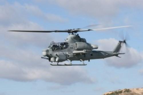 AH-1Z_HMLA-303_in_flight_2008