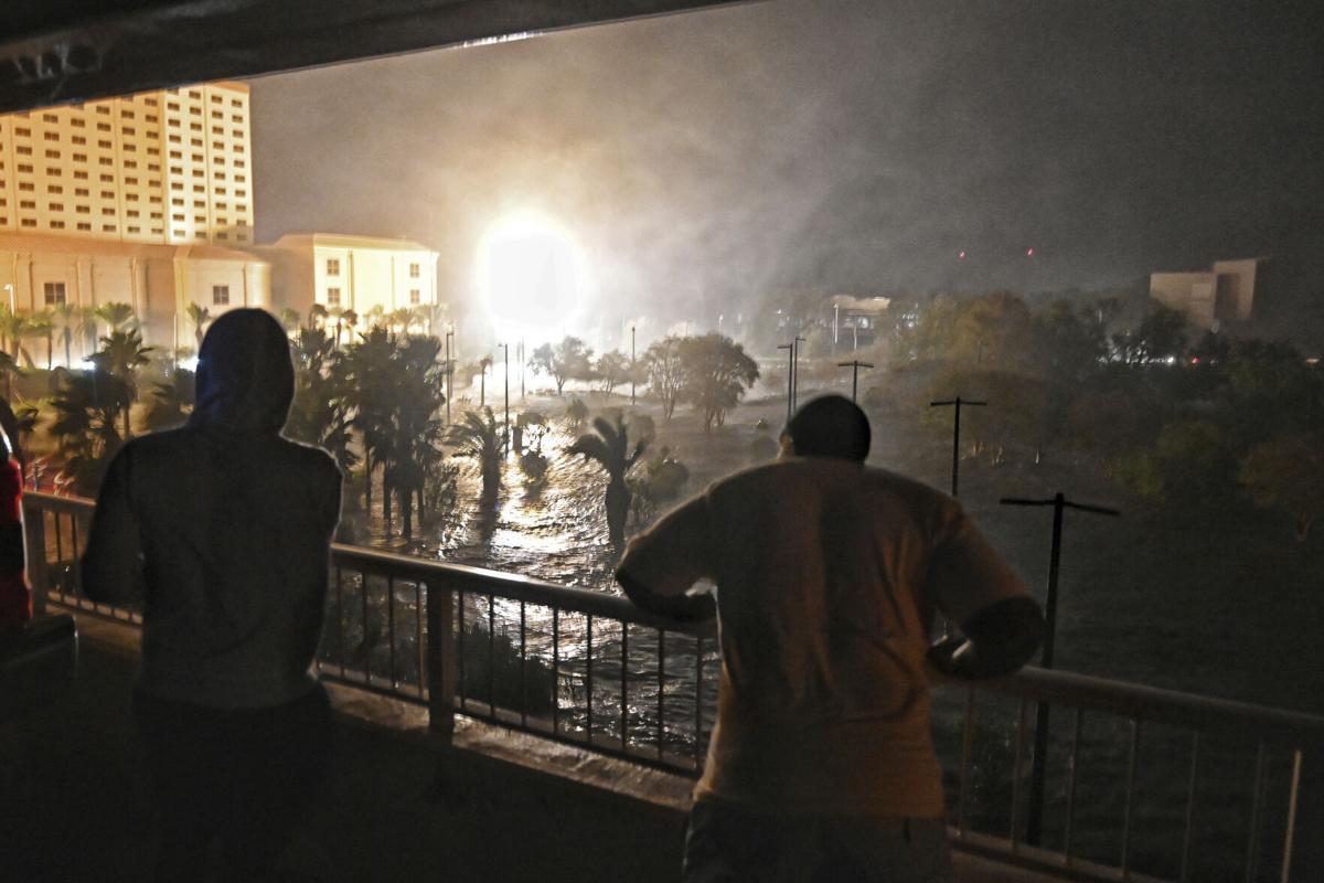Zeta soaks Southeast after pounding Gulf Coast; 6 dead