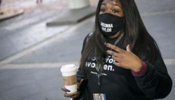 Missouri Rep-elect Cori Bush wears Breonna Taylor mask to Congress, GOP colleagues think it's her name